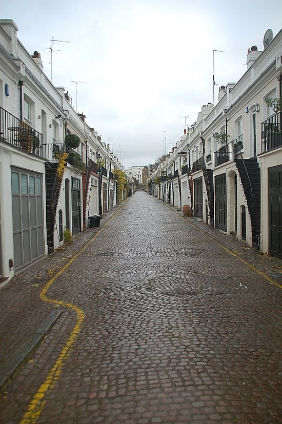 Holland Mews
